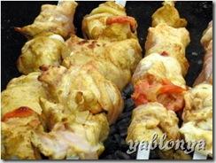 шашлык в кефире, куриный шашлык, маринад для шашлыка из курицы, кефирный маринад